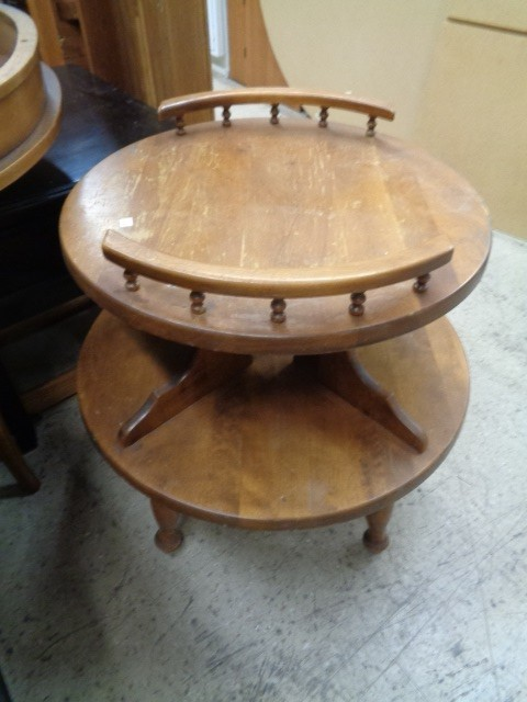Two Tier Round Table E298 Diggerslist