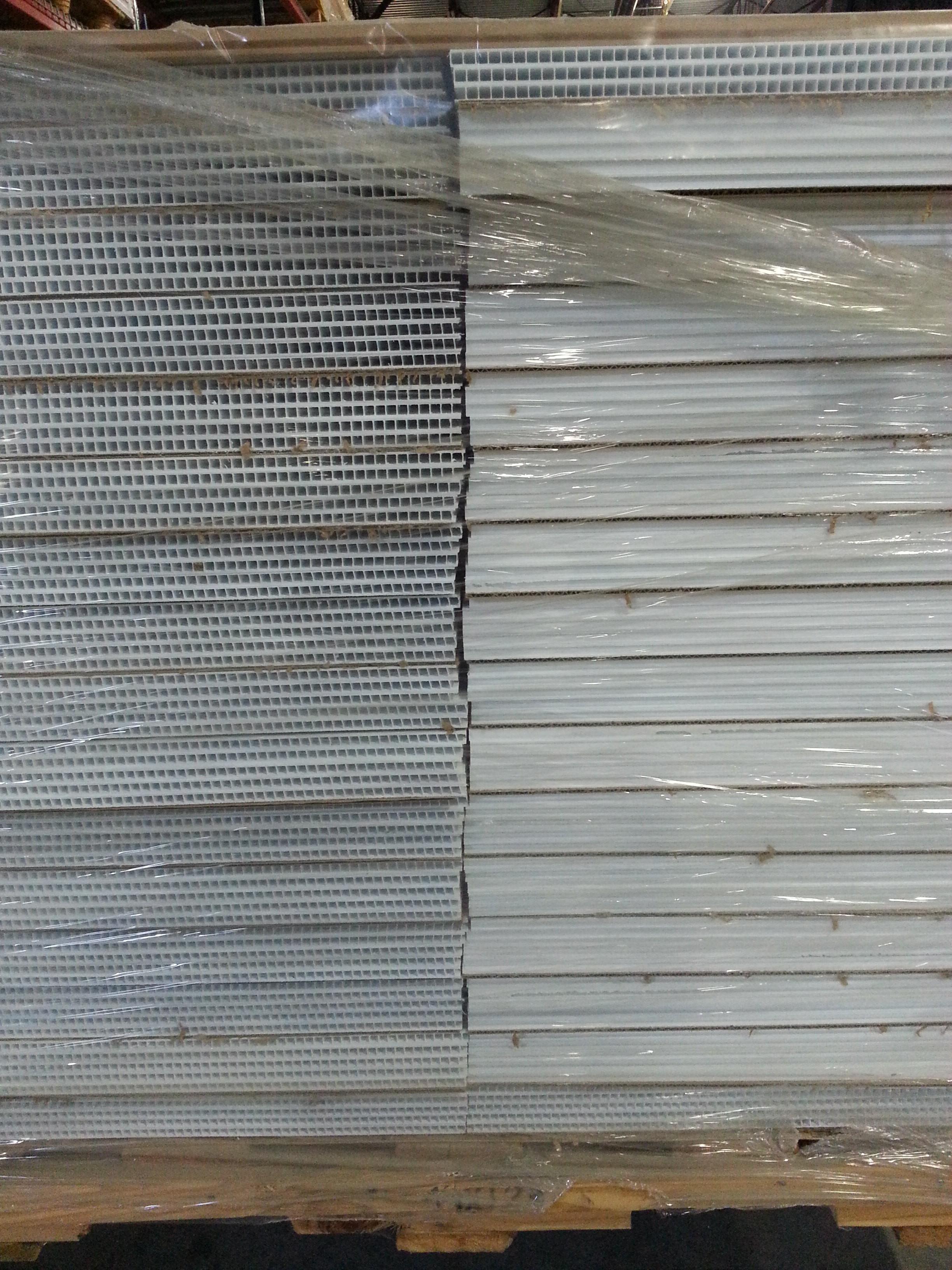 624 2x2 White Ceiling Tiles Fiberglass Reinforced Plastic For
