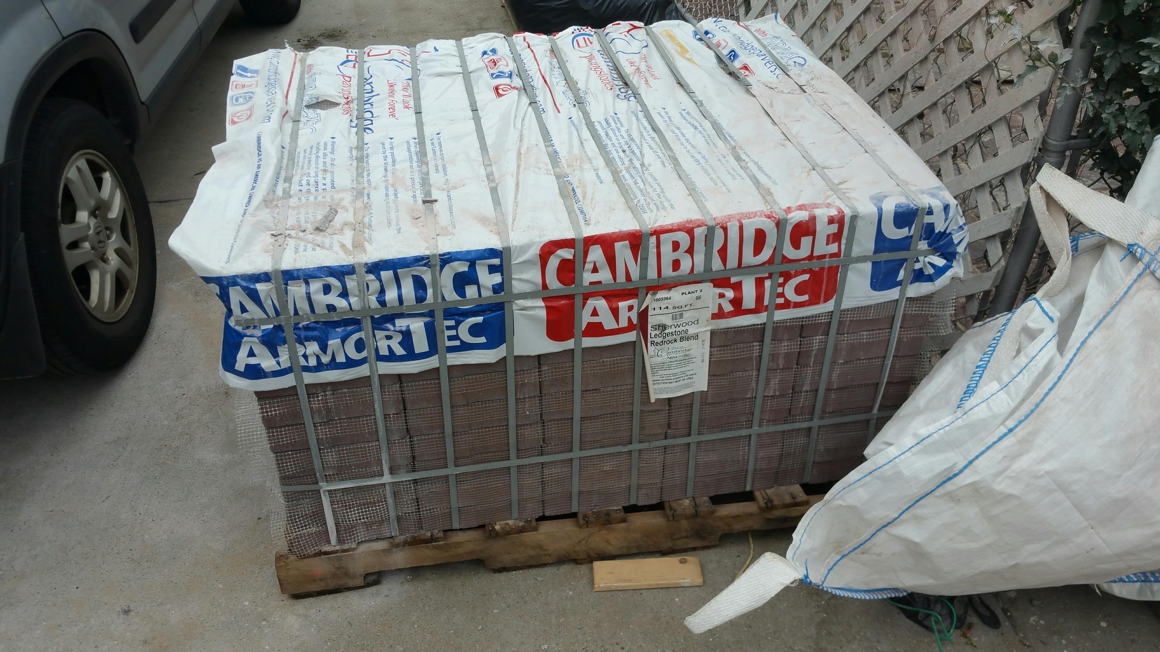 1BRAND NEW PALLET OF CAMBRIDGE RED ROCK BLEND PAVERS  | DiggersList