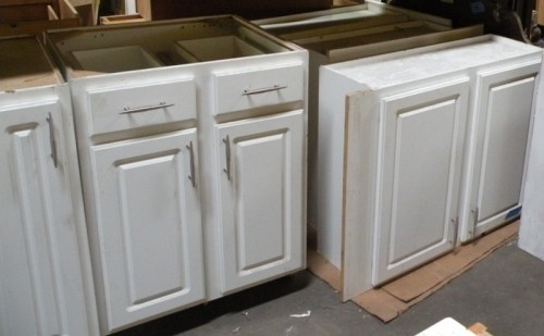 Matching set of kitchen cabinets diggerslist for Matching kitchen sets