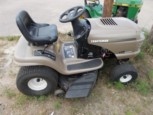 Craftsman 1000 Lawn Tractor : Craftsman ltx riding lawn mower diggerslist